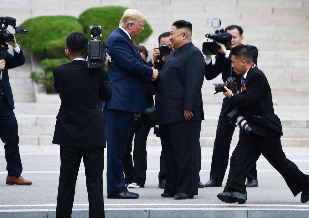 特朗普期待與金正恩舉行新會晤
