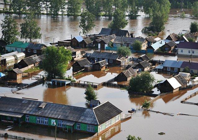 俄緊急情況部:伊爾庫茨克州洪災事件失蹤人員中已找到24名生還者