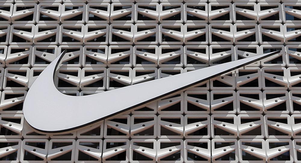 耐克因公眾不滿停售帶美國第一面國旗圖案的運動鞋