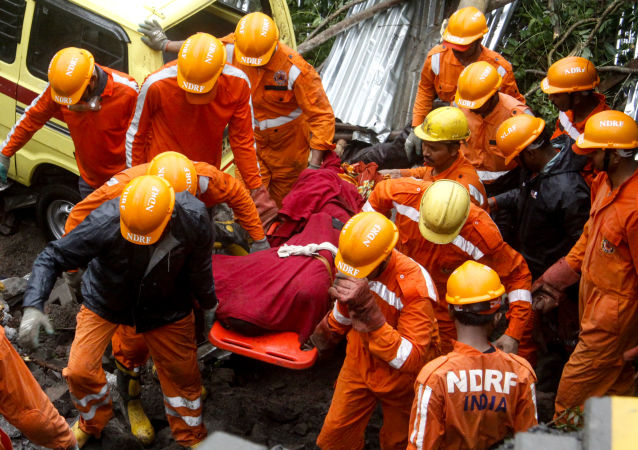 印度救援人員(資料圖片)
