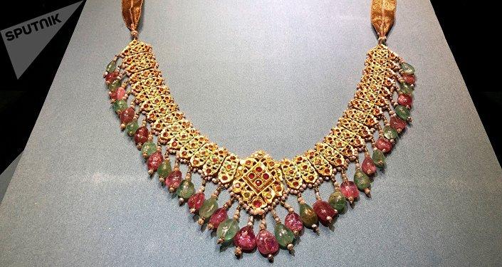 俄羅斯多民族金銀珠寶繽紛亮相天津博物館
