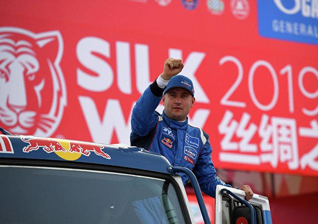 俄卡瑪茲大師車隊的參賽選手包攬絲綢之路拉力賽第9賽段前三名
