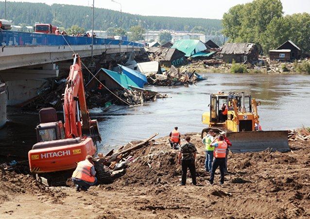 普京對伊爾庫茨克州洪水賑災工作表示不滿