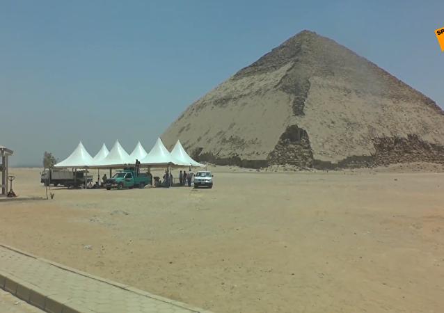 埃及4500年歷史的彎曲金字塔向遊客開放