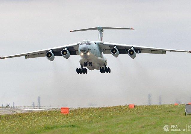 伊爾-76運輸機
