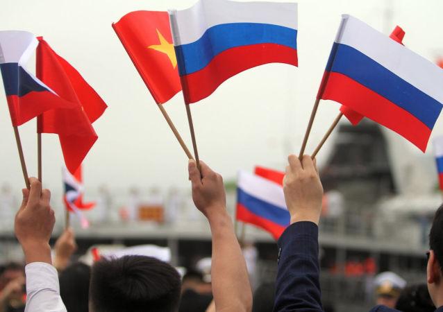 俄羅斯與越南海軍在金蘭灣舉行聯合演習