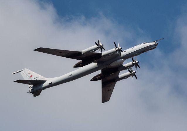 俄北方艦隊:圖-142反潛飛機完成在北極地區的潛艇監視訓練