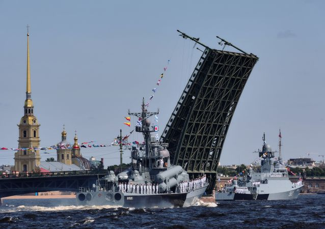 聖彼得堡舉行海軍日閱兵