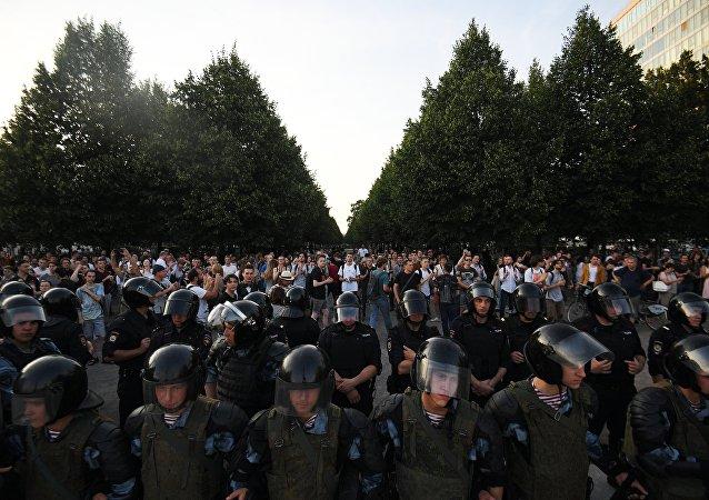 莫斯科警方抓捕1074名非法集會參與者