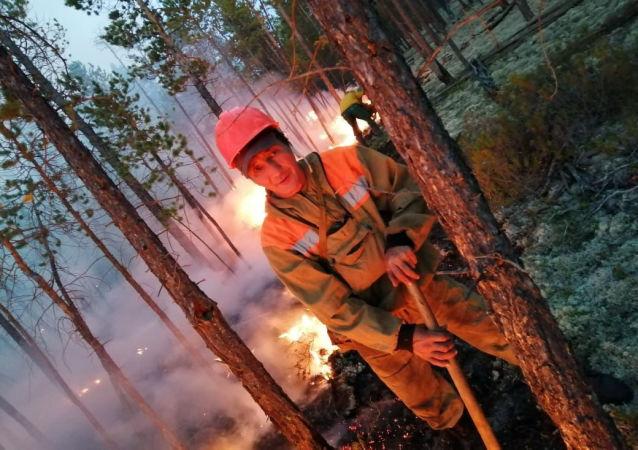 俄緊急情況部不排除接受美國協助撲滅西伯利亞大火的提議