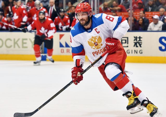 俄運動員奧維契金稱此次出訪中國的主要目的是向兒童推廣冰球