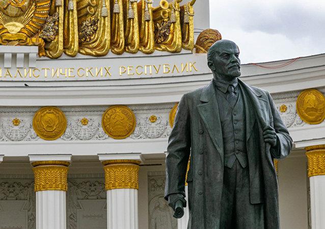 普京認為沒有必要重新安葬列寧的遺體
