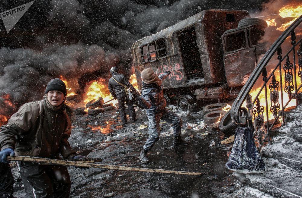 支持烏克蘭歐洲一體化活動的參與者在基輔。