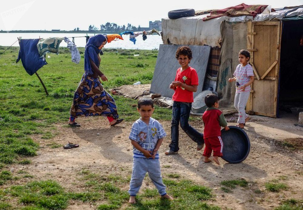 敘利亞貝都因難民在與敘利亞接壤的黎巴嫩北部的克維什爾村。