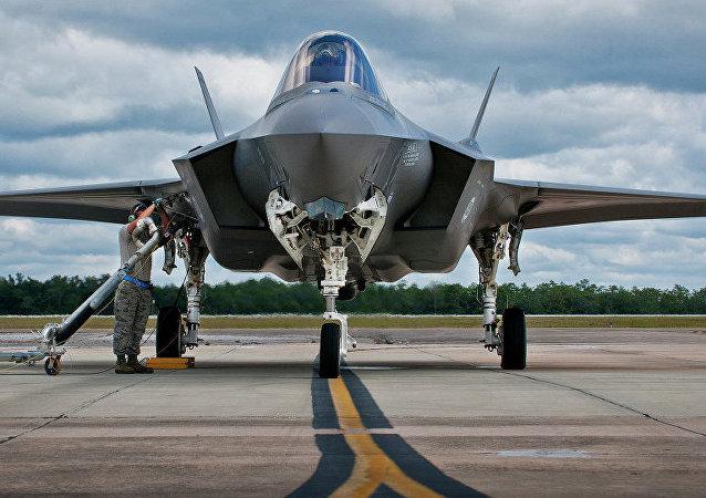 波蘭高官:波蘭計劃向美國購買32架F-35戰鬥機