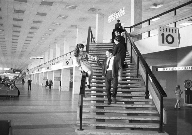 謝列梅捷沃機場通航60週年