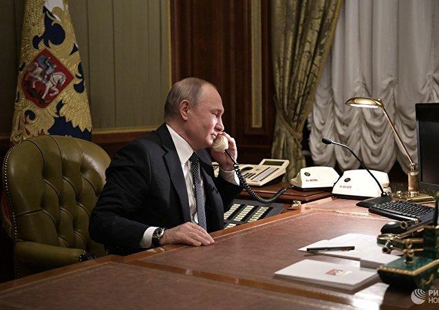 俄烏總統通電話討論頓巴斯局勢