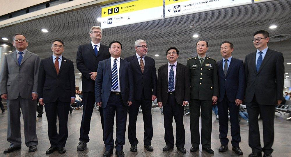 中國新任駐俄大使張漢暉10日抵俄履新