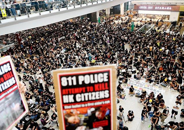 中國國務院港澳辦:香港激進分子的暴行是對法治的極端蔑視 必須依法嚴懲