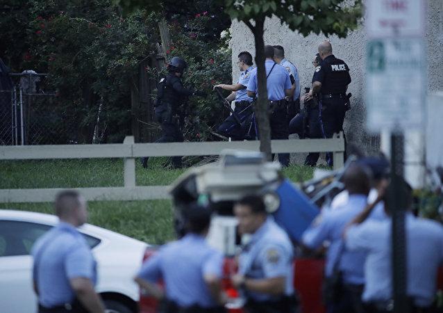 警方不排除費城槍手或持有人質