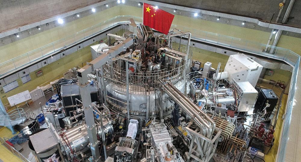 Институт физики плазмы Академии наук Китая демонстрирует экспериментальный усовершенствованный сверхпроводящий токамак (EAST)