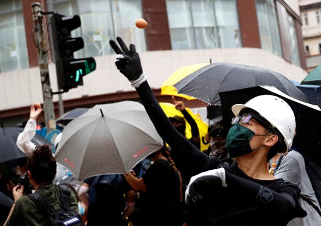 成千上萬名香港教師參加抗議活動(資料圖片)