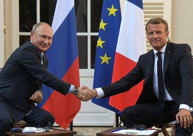 普京表示,他有意在與法國總統會晤期間就國際安全問題進行討論