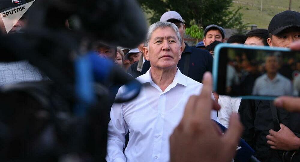 吉爾吉斯斯坦前總統阿坦巴耶夫律師稱法院將羈押期限延至10月26日