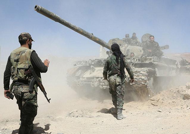 敘政府軍進入IS成員家屬營所在的艾因伊薩市