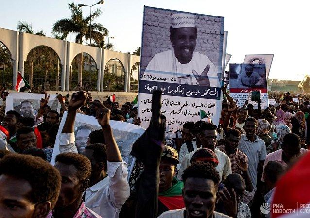 蘇丹過渡軍事委員會主席布爾漢宣誓就職聯合主權委員會主席