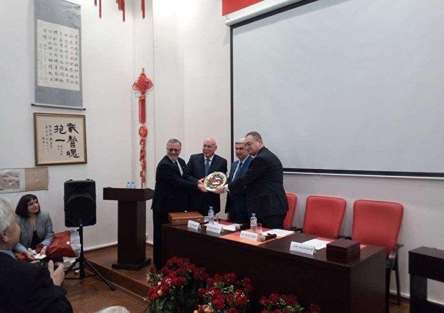 俄共中央委員會第一副主席梅利尼科夫當選俄中友好協會新主席