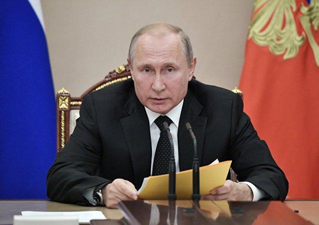 俄總統:國防採購裝備交付高峰期已經過去  國防工業面臨新任務