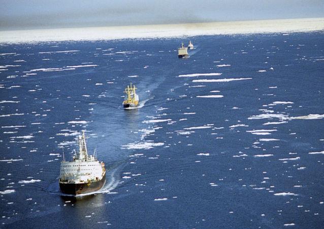 俄專家:美國總統希望建造破冰船隊與俄羅斯競賽