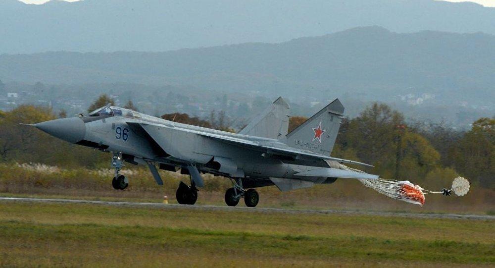 米格-31戰機在烏格洛瓦亞中央軍用機場