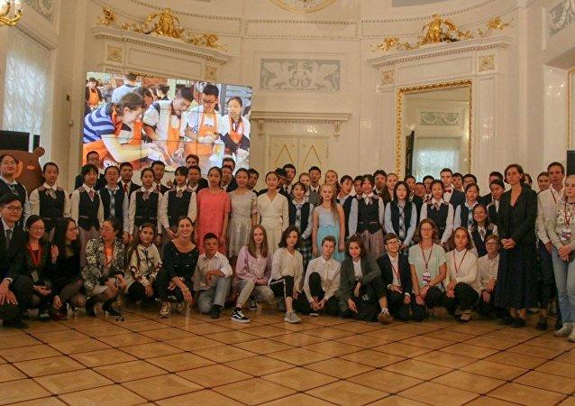俄中兒童創作節在聖彼得堡閉幕
