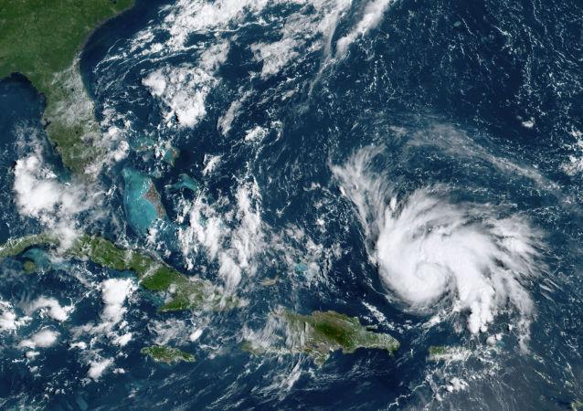多里安吹襲美東南岸
