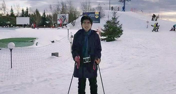 王魯平在俄羅斯學會了滑雪