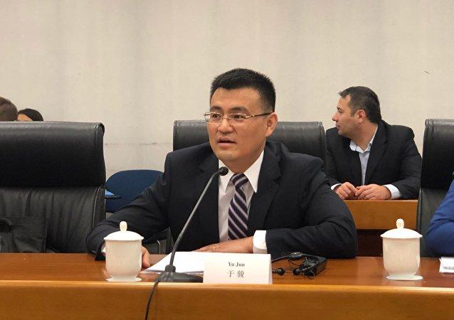 中國外交部歐亞司參贊於駿