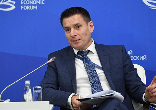 衛星通訊社在東方經濟論壇框架下對出口中心總經理安德烈·斯列普尼奧夫