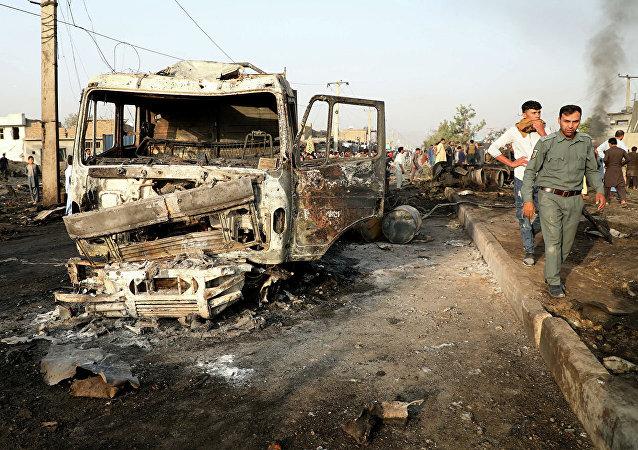 媒體:喀布爾一輛載有國家公職人員的大巴發生爆炸 致3死12傷