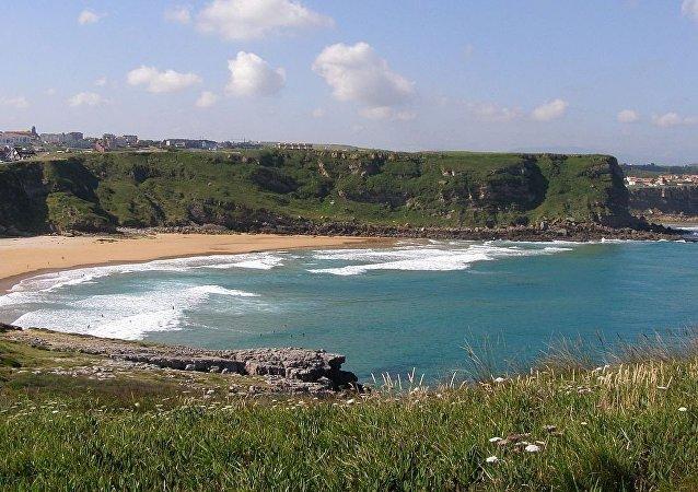 西班牙坎塔布里亞省一處海灘