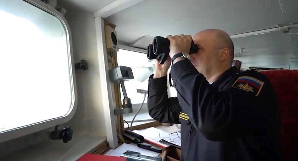 俄國防部:黑海艦隊開始跟蹤進入黑海水域的美國海軍尤馬號運輸船