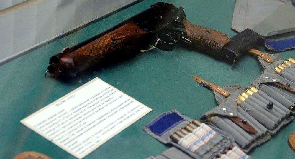 TP-82特製的三管手槍
