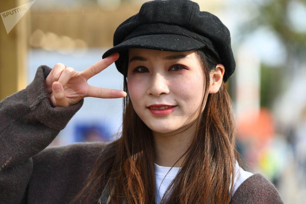 莫斯科全俄展覽中心舉辦的「中國:偉大遺產和新時代」中國文化節上的女孩。