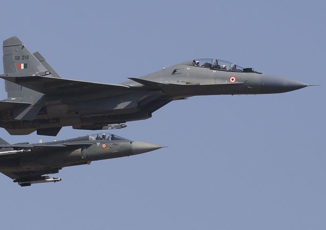印度在中國空軍直升機出現後派戰機升空