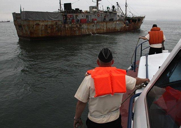 俄邊防軍2011年在日本海截獲過外國縱帆船(資料圖片)
