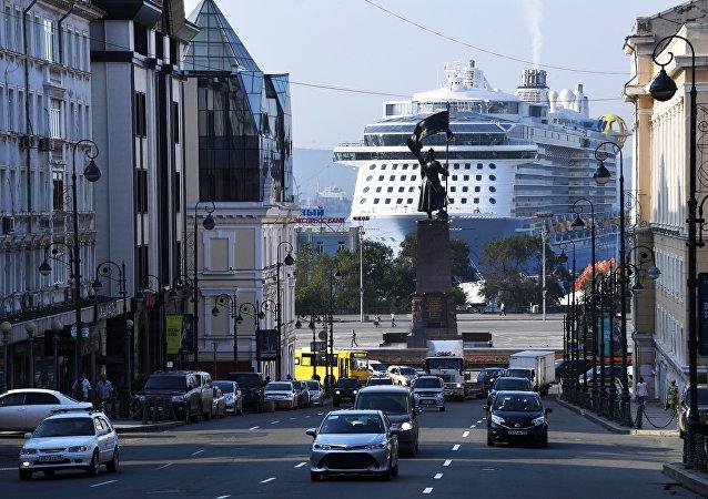 「海洋量子」號巨輪載5000名中國遊客停靠符拉迪沃斯托克