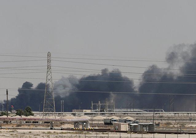 普京:俄羅斯譴責針對沙特石油設施的襲擊