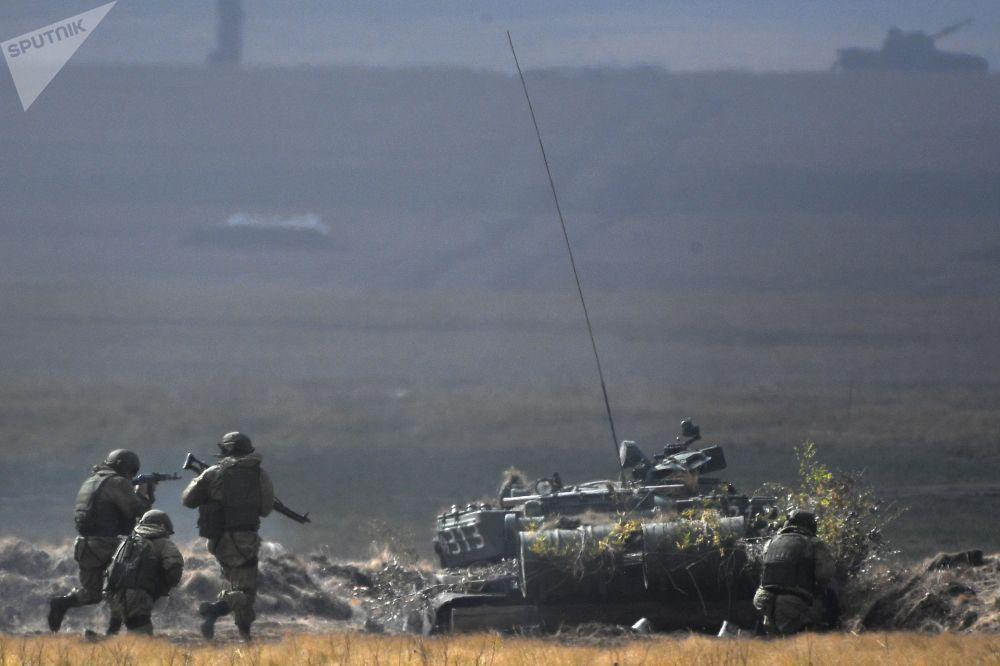 反恐聯盟籌備密集反攻,以擊潰敵人並恢復邊界秩序。