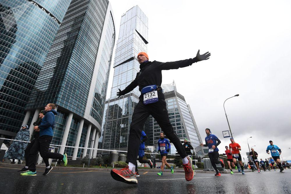 當天氣不是問題時,莫斯科第七屆馬拉松賽是如何舉行的